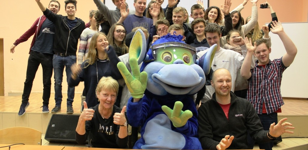 Экскурсия по техникуму для школьников из Бельгии